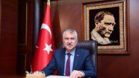 Adana Büyükşehir Belediyesi, 2 ay boyunca özel halk otobüslerine günde 15, dolmuşlara (minibüs) ise günde 10 litre yakıt desteği verecek