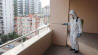 Apartmanların ortak kullanım alanları dezenfekte ediliyor