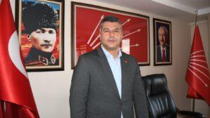 """""""23 Nisan, Türkiye Cumhuriyeti'nin çocukların omuzlarında yükseleceğinin göstergesi"""""""