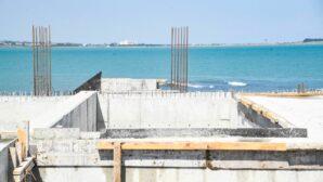 Karataş'ta altyapı ve üstyapı çalışmaları hızla devam ediyor